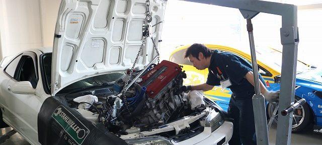 B型エンジンの製作。